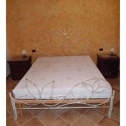 Wrought iron bed. Customize Realizations. 937