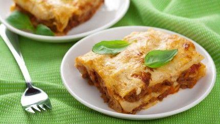 لازانيا بصلصة البولونييز lasagna with bolognese sauce