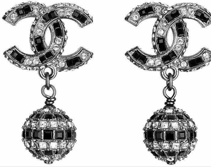 721 besten chanel earrings bilder auf pinterest coco chanel schmuck und katzenohren. Black Bedroom Furniture Sets. Home Design Ideas