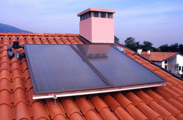 Pannelli solari fotovoltaico impianti termici by salarimpianti, via Flickr