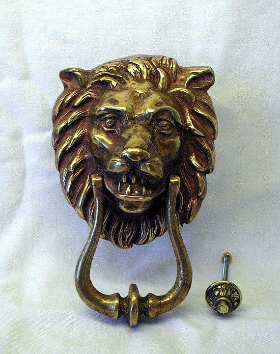 Vintage brass lion head door knocker. Large imposing - Vintage Brass Lion Head Door Knocker. Large Imposing Traditional