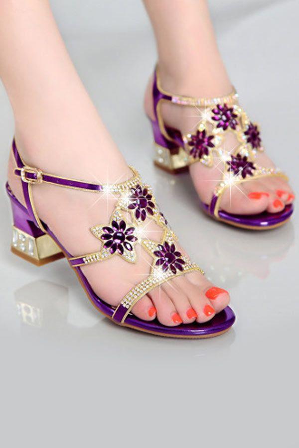 1b44ce675ed3b Sandale de soirée violette ornée de strass fleuri ajouré à talon épais