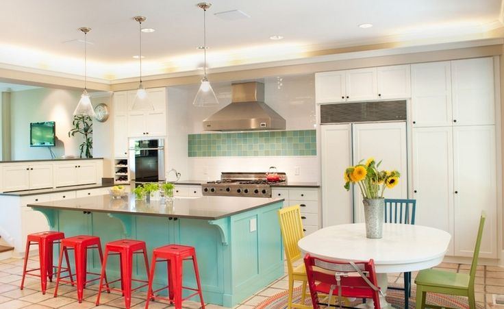 Primary and secondary colors instantly brighten any space. Tammara Stroud Design
