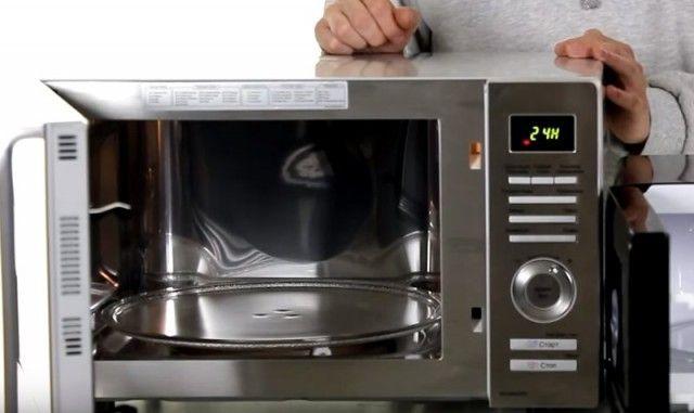 Лайфхаки с микроволновой печью. Три совета о том, как упростить домашнее хозяйство с помощью микроволновой печи.