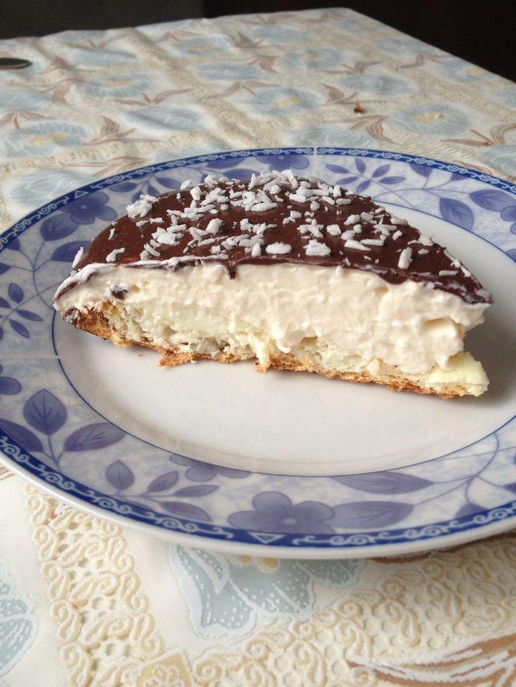 Торт Баунти - нежный диетический торт. Традиционное сочетание Баунти - кокос и шоколад, и никакой муки и сахара!