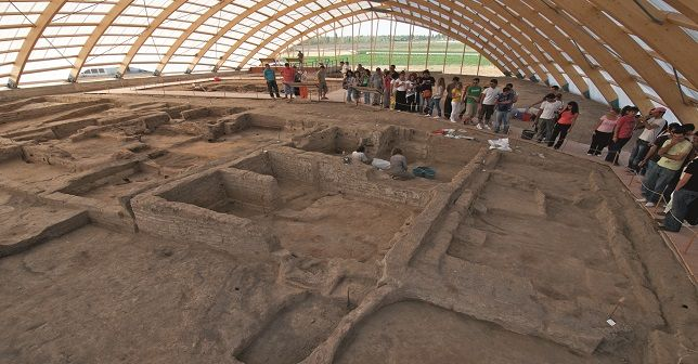 Neolithic Age to be discussed in Turkey  The ancient settlement of Çatalhöyük will host international experts of the Neolithic Age for a meeting in April. The event hopes to draw the world's attention to Turkey's Neolithic culture  http://www.portturkey.com/culture-and-art/6045-neolithic-age-to-be-discussed-in-turkey