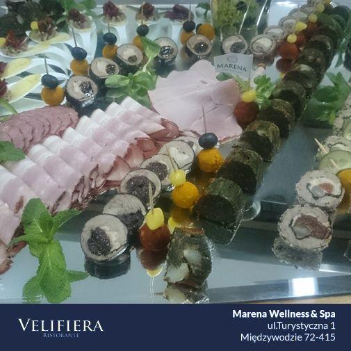 Idealne przekąski na idealne przyjęcie! Nasi kucharze wiedzą jak zadbać o Wasze kubki smakowe :)  #Marena #VelifieraRistorante #jestsmacznie #nadmorzem
