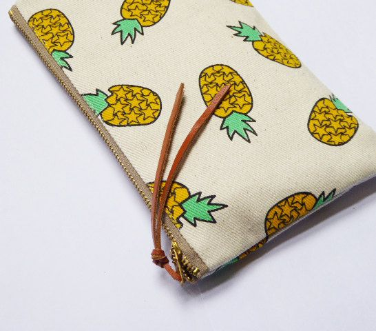 Pineapple Pouch canvas ,Coin Purse,pencil bag,clutch,pencil case,zipper pouch,Makeup Bags,Cosmetic Bags,Back to School Made of canvas .  Measurements: