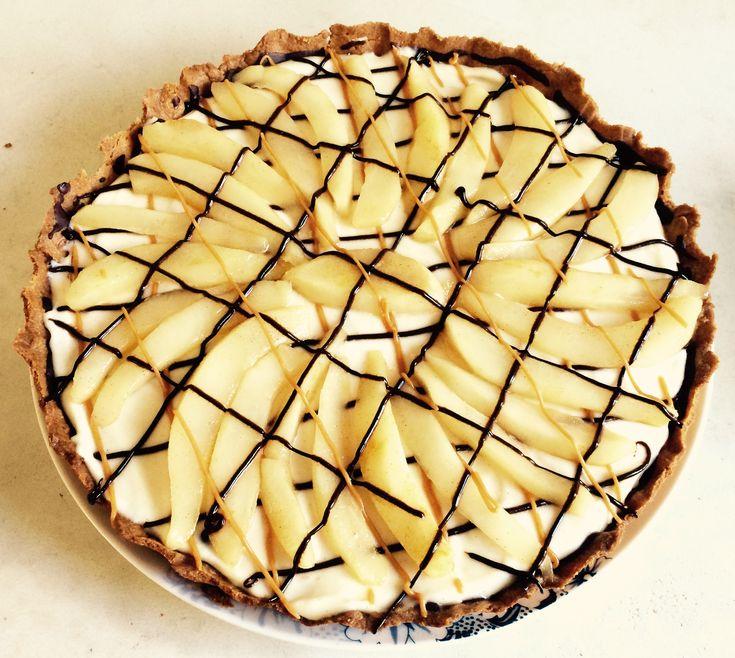 Dat klinkt goed, taart met mascarpone, peren en chocolade. En zo smaakt de taart ook, hemels, fruitig, romig, zoet met een klein bittertje van de chocolade.