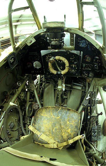 Hawker Hurricane Mk.IIc - cockpit