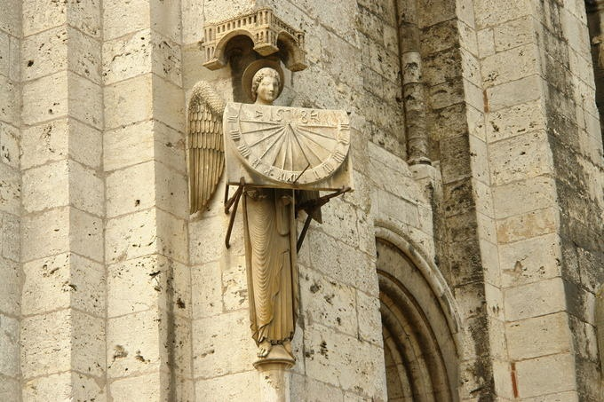 My all time favorite sundial or  --Relogio de Sol em Chartres
