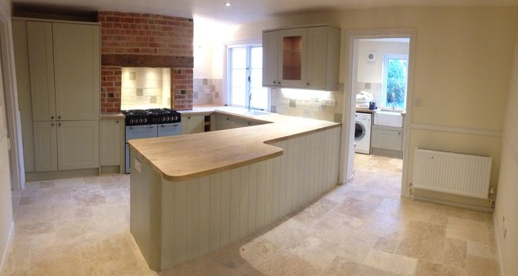 Ta-daaa! All lighting finished. Now just to oil the oak work tops. Howdens kitchen in burford grey.