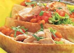 Chicken and Chilli Bean Pita Pockets http://www.foodinaminute.co.nz/Recipes/Chicken-and-Chilli-Bean-Pita-Pockets