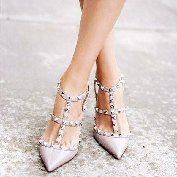 @bethanyemwilson On the hunt for some Valentino rockstud lookalikes. So pretty…