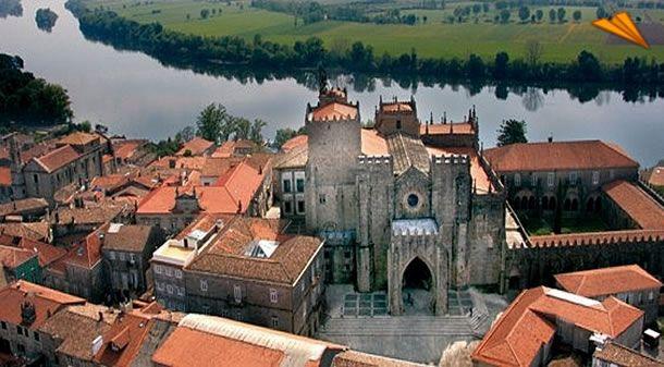 Pontevedra - Tui, la historia de piedra