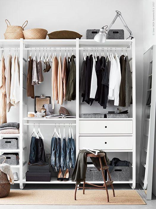 Een inloopkast om bij weg te dromen | IKEA IKEAnl IKEAnederland inspiratie wooninspiratie interieur ELVARLI systeem garderobekast kast opberger opbergen kleding slaapkamer handig wit praktisch fashion FLÅDIS mand TERTIAL bureaulamp HOVET spiegel BUMERANG kleerhangers OSTED vloerkleed