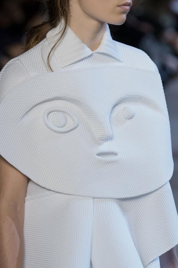 Wearable Art - white jacket with high relief face detail; sculptural fashion // Viktor & Rolf Spring 2016