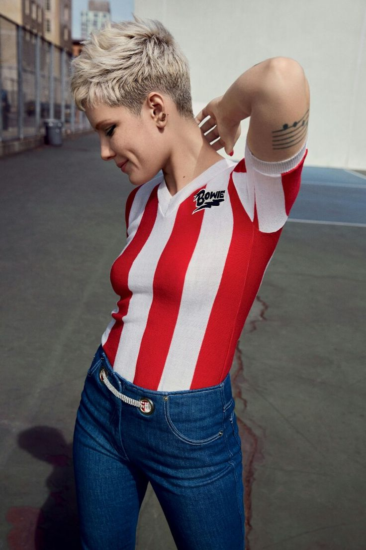 Halsey photographed by Tom Sloan for Teen Vogue, 2017.