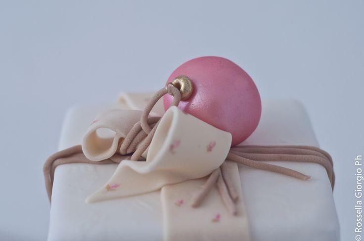pink 'Xmas ornaments cake