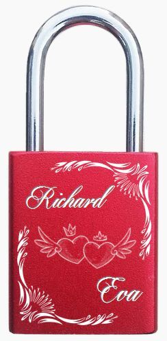 Engraved lovelocks, engraved padlocks. http://foreverlovelocks.com/