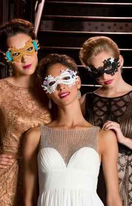 Masquerade Fancy Mask Free Crochet Pattern from Red Heart Yarns