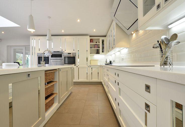 Smallbone Style Mirrored Inserts Kitchen (3)