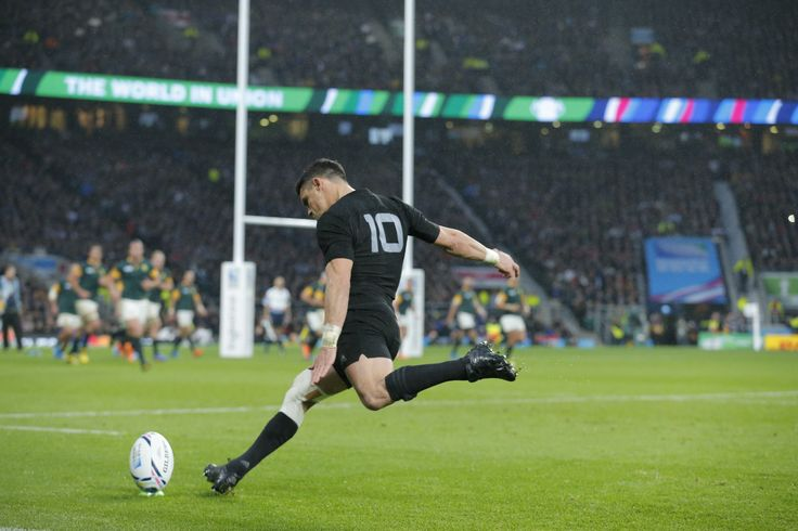 Rugby World Cup 2015 : South Africa v New Zealand semi-final - Dan Carter