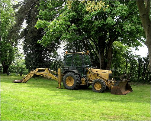 Used Ford 655D Backhoe Loader is for sale at affordable discounted low price. Just visit our site and check the cheap used backhoe loader now.