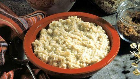 Prírodný čistič čriev: Pomože vám schudnúť, zlepší pleť a zastaví padanie vlasov                                                     5 pol. lyžíc ovsených vločiek 5 pol. lyžíc vody 1 pol. lyžica bieleho jogurtu (príp. mandľového mlieka) 1 čaj. lyžička medu (najlepšie domáci) 5 ks kvalitných orechov (napr. vlašské, para orechy, kešu, mandle a pod.)