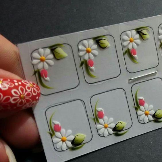 Cómo hacer fácilmente stickers para decorar uñas en casa