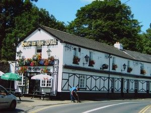 The Hole in the Wall pub claims to be the longest pub in Ireland. With 100 yards of bar, it could very well be! Perfectly positioned for those exploring Phoenix Park, it's got a roaring fire year round and seats outside for sunny days. #dublin #pubs #lovedublin #ireland