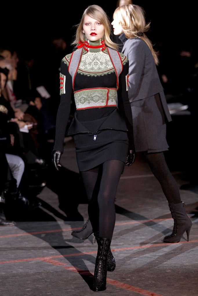 Givenchy Fall 2010 Ready to Wear Collection Photos   Vogue