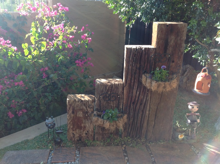 Up cycle idea for old railway sleepers fairy garden for Garden designs with railway sleepers