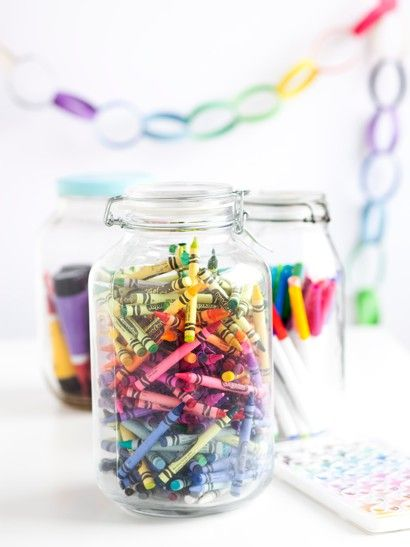 jars of crayons & paper table cloths