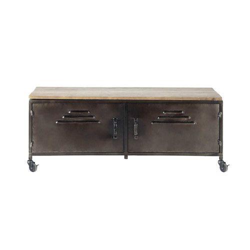 TV-Möbel im Industriestil Art-Nr. 138753 Abmessungen (cm) : H 42 x B 115 x TI 40 Gewicht : 12 Kg Modernisieren Sie Ihr Wohnzimmer im Industry-Stil mit diesem TV-Möbel aus patiniertem und verkupfertem Metall. Dieses mit einer Holzplatte als Stellfläche für Ihren Bildschirm versehene moderne TV-Möbel bietet hinter seinen beiden Türen auch reichlich Stauraum.