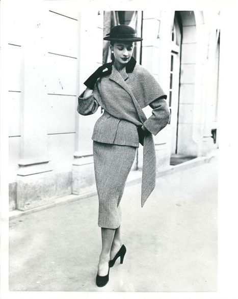 1951-52- Balenciaga tweed suit