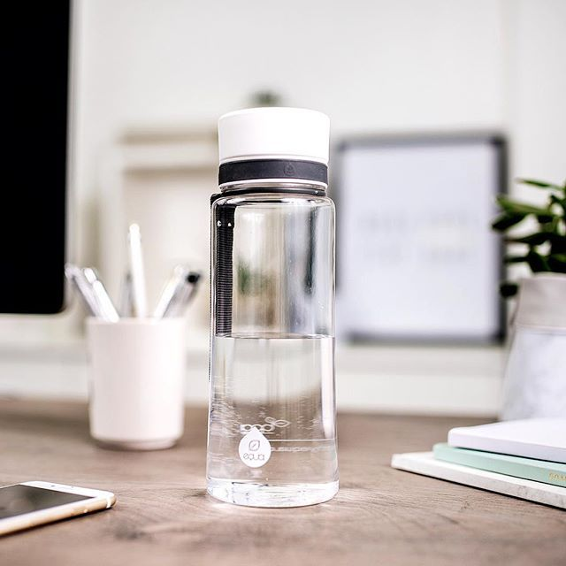 Need to get things done? Take a sip to get your brain function optimally, to improve your memory and to keep the focus️ #myequa #officelife #healthy #hydration #drinking #water #bpafree #waterbottle #reusable #sustainable #equabottle