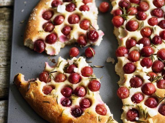 Teigfladen mit Kirschen ist ein Rezept mit frischen Zutaten aus der Kategorie Kirschkuchen. Probieren Sie dieses und weitere Rezepte von EAT SMARTER!