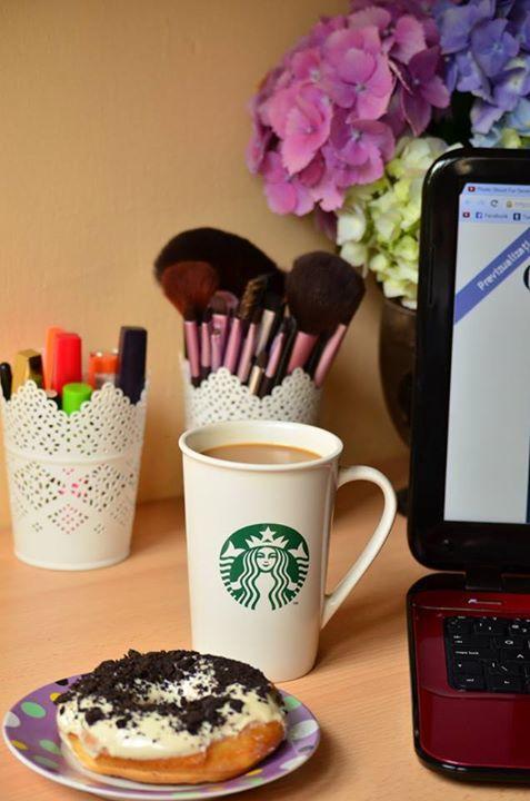 coffee, donut, blogging, morning, make up http://chocolatefashioncoffee.blogspot.ro/