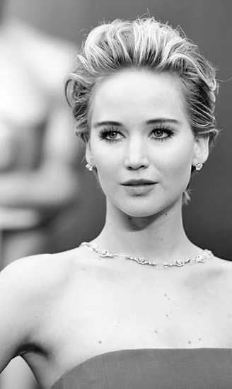 Jennifer Lawrence con el pelo corto. ¿Cuál te gusta más? #moda #pelo #estilo: