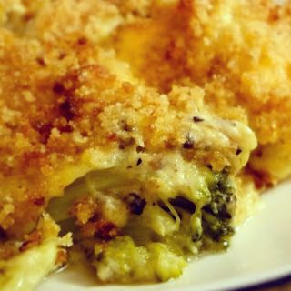 Chicken Divan Casserole - This was EXCELLENT! Served it with noodles; would also be good with pasta. I actually used Jolly Green Giant broccoli in cheese sauce, 1 can of mushroom soup, 1/2 can milk, and cooked the chicken first, Also added garlic powder. Just don't have it in me to follow recipe to the letter!