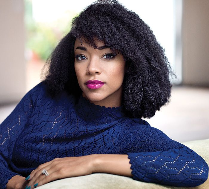 Interview: The Walking Dead's Sonequa Martin-Green Talks Diversity ...