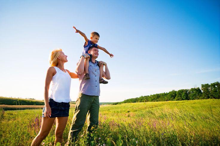 Si andas buscando un seguro para tu auto, hogar o de gastos médicos, un broker de seguros es la mejor opción para contratar la póliza que más te convenga:http://www.arcas.com.mx/