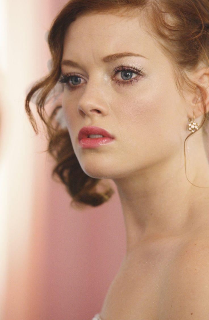 Jane Levy Beauty
