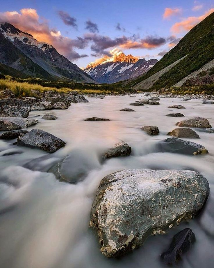 Sunset on Hooker valley The path to Hooker lake is about 5km and can be done in an hour and a half. Perfect spot for sunset or sunrise. You don't even have to get to the lake itself to get amazing views on Mt Cook. . . . . . . . .