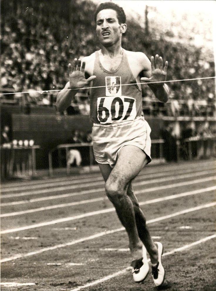 Alain MIMOUN (champion français d'origine algérienne-champion olympique 1956) décédé à l'âge de 92ans le jeudi 27 juin 2013