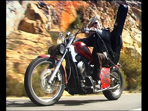 BROERS  HUISTOE  (Afrikaans official music video) (+playlist)
