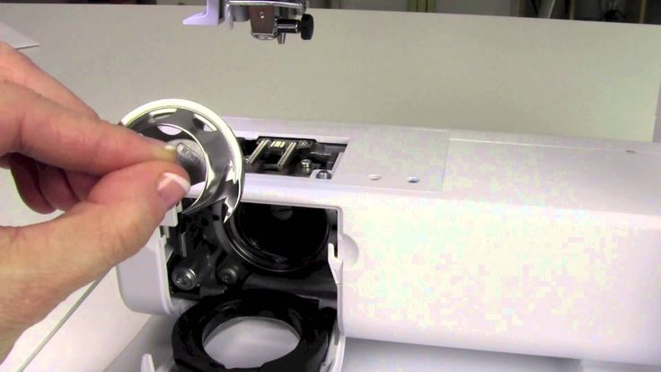 Cleaning and Oiling the BERNINA B 350 is important to keep things running in top condition http://www.sewingmastery.com/videos/bernina/b-350-tutorial/ Sewing...