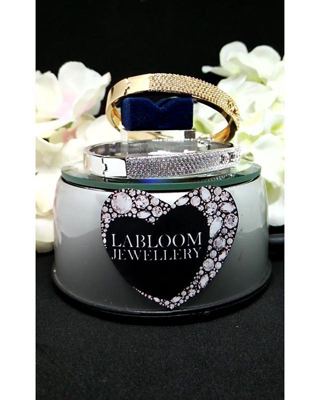"""""""Perhiasan Lapis emas 18K dan emas putih dengan batu permata kualitas premium grade AAA+ yang biasa dipakai ditoko emas sebagai penganti berlian asli. sangat aman utk kulit sensitif dan tidak gatal atau berkarat  ORDER: Line: @yennylabloom (pake @) BBM: D9167B51 WhatAppL 0895 3927 62225  #fashion #pendant #love #beautiful #shopping #beauty #cute #pretty  #photooftheday  #accessories  #necklace  #bracelet  #jewellery #tagsforlikes #gold #ring #earrings #jewels #emas #diamond #bracelets…"""