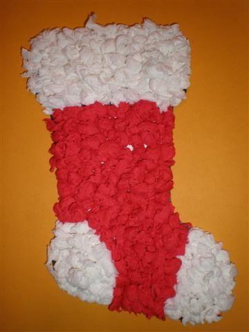 Kerstsok knutselen met crepepapier